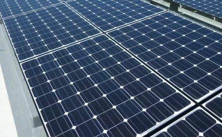 売り切れ続出!スマホも充電できる、自然災害時に大活躍の太陽光パネル