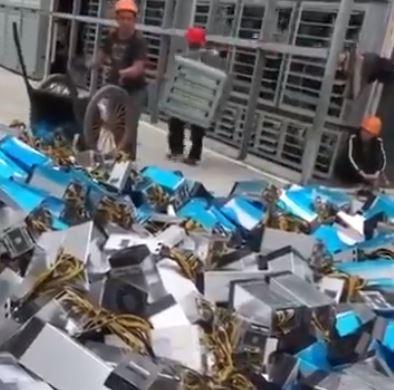 【ビットコイン】中国で大規模マイニングファームが撤去される動画がヤバいと話題に